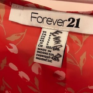 Forever 21 Tops - Forever 21 Red Floral Blouse